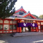 Kumano-hayatama-taisha_Wikipedia_by_Yanajin33